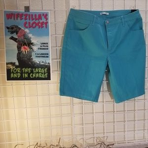 Lee Riders Mid Rise Turquoise Bermuda Short-Sz 18